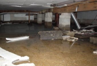 Crawlspace Services - Wet Crawlspaces - Flooded Crawlspaces - Portland OR - Vancouver WA